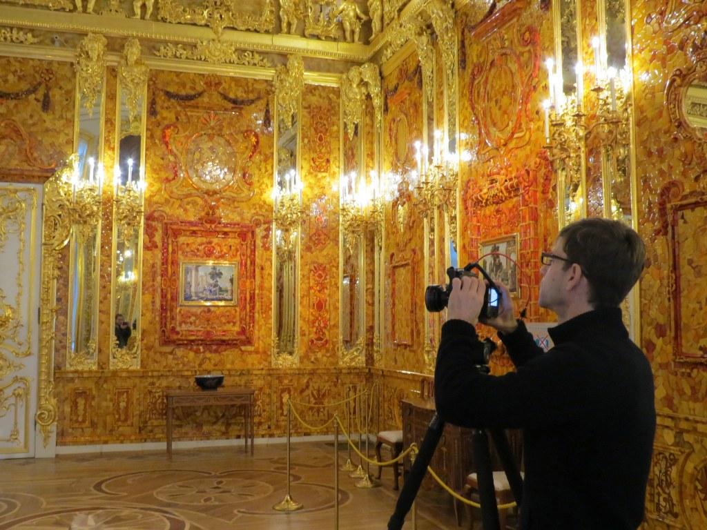 Организация съемок в янтарной комнате и во дворцах в Санкт-Петербурге